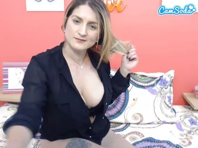 Big tit mature webcam model on CamSoda