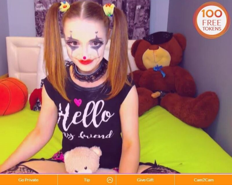 Lexi_Kiss in clown make up