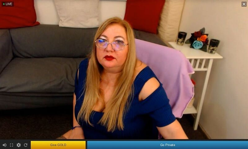 Cam to cam chats with stunning mature women on Streamate